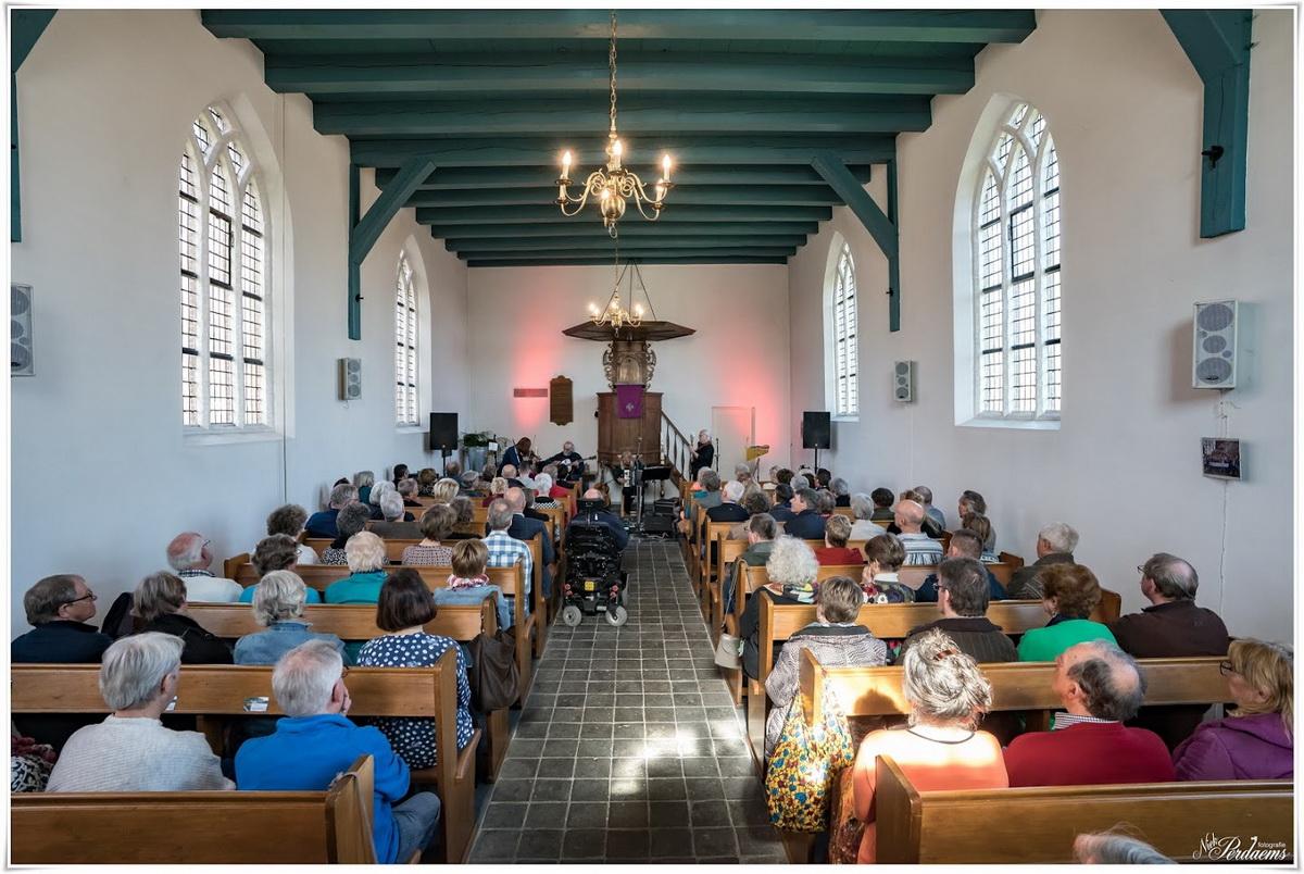 cultuur in het kerkje Nieuw Vossemeer
