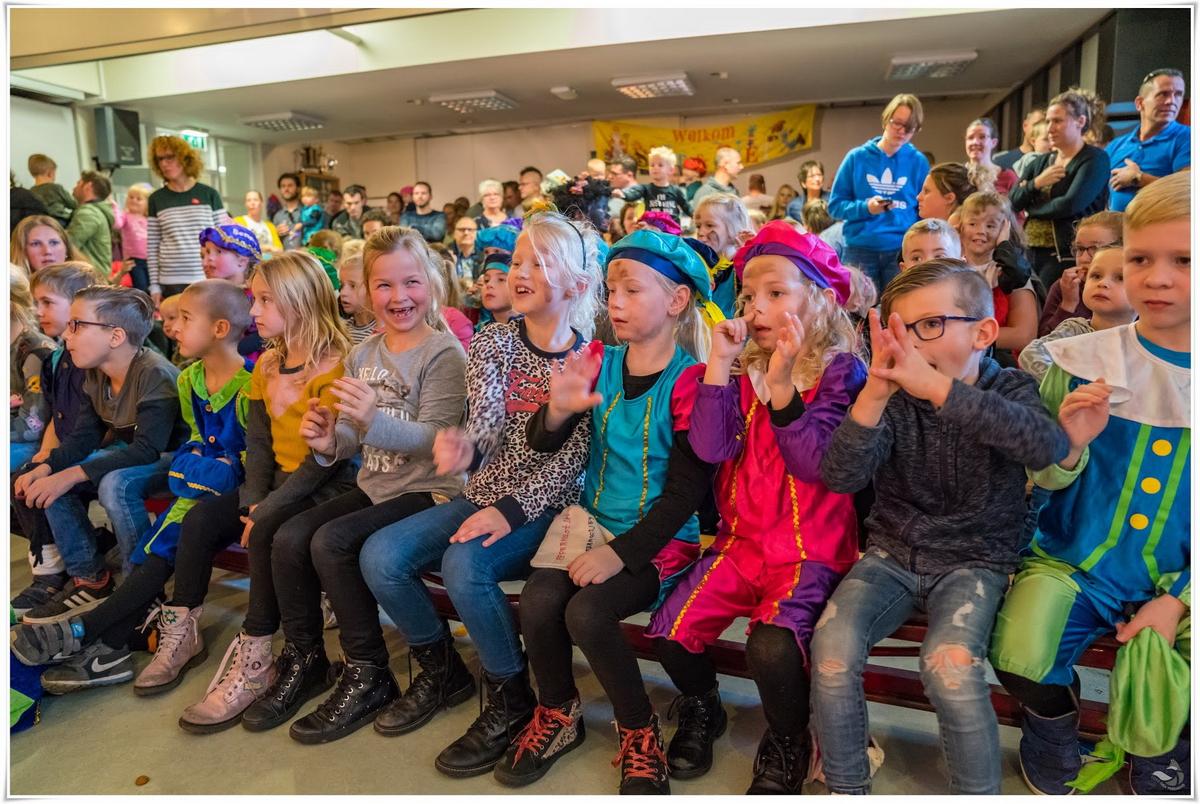Sinterklaas in Nieuw Vossemeer Vossenburcht